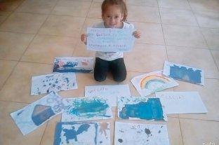 Cuarentena que conmueve: una nena de 5 años cambia sus dibujos por comida para donar