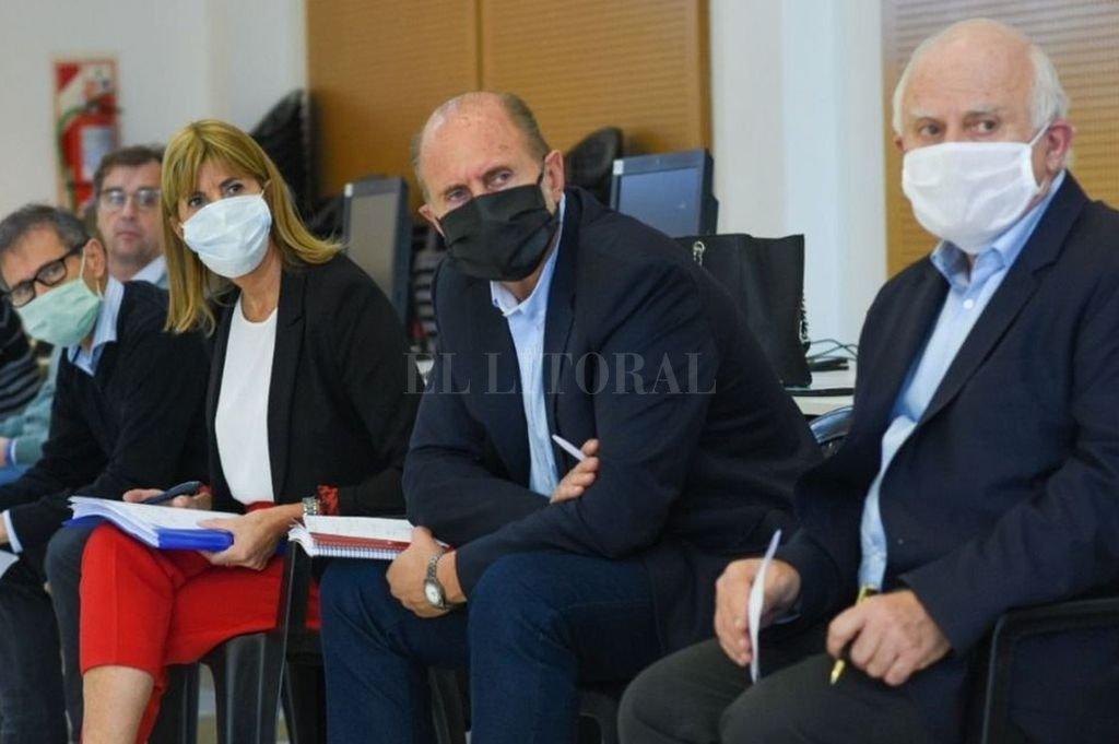 La reunión del Comité de Crisis tuvo lugar en el Data Center de la provincia y estuvieron Perotti, Rodenas, Lifschitz y varios ministros. Crédito: Cámara de Diputados