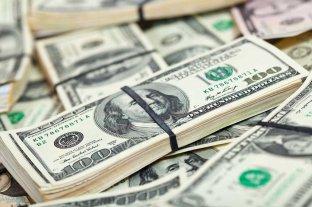 """Dólar hoy: El oficial abrió a $ 70,25 y el """"blue"""" se vende a $ 127 -  -"""