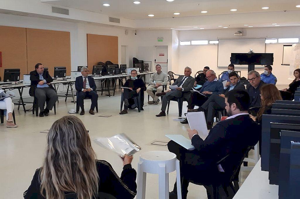 Segunda reunión entre funcionarios judiciales y del Ejecutivo para acordar medidas de protección a las personas privadas de la libertad. Crédito: Ministerio de Gobierno