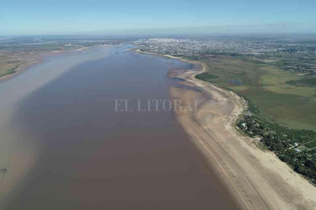 Bajante río Paraná laguna setubal. Crédito: Fernando Nicola