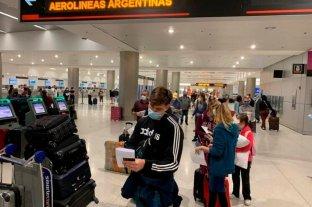 Ante el aumento de casos en el país, los vuelos regulares no volverían en septiembre