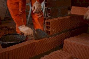 Oficializaron la flexibilización de la cuarentena en 9 provincias para permitir la obra privada