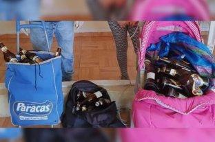 Transportaban 60 cervezas en un cochecito de bebé y fueron detenidos por romper la cuarentena