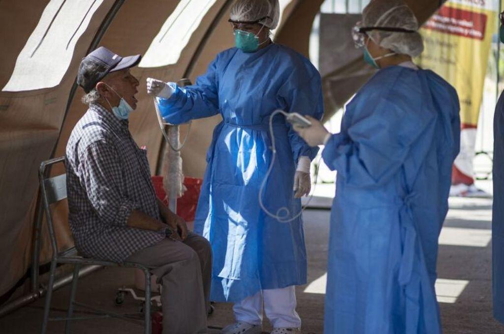 Contagios se incrementan a 54817 y fallecidos a 1533 — Coronavirus en Perú