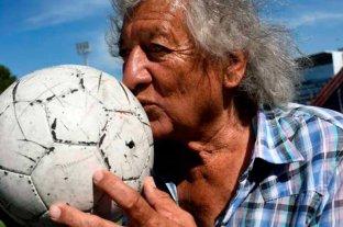 """El fútbol de luto: murió """"Trinche"""" Carlovich tras un asalto"""