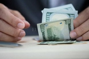 Dólar hoy: abrió la semana estable a $ 70,50 y el blue se vende a $ 125