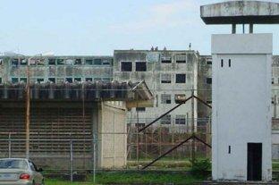 Venezuela: imputan al director de una cárcel por un motín que dejó 47 muertos