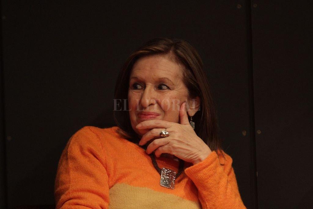 En distintos roles, Cristina Pagnanelli lleva más de cuatro décadas dedicada a las artes escénicas.  Crédito: Archivo El Litoral / Mauricio Garín