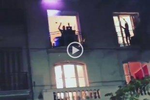 Video: Vecinos rindieron homenaje a Sergio Denis desde los balcones