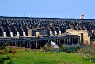 El desafío de acordar con Itaipú para que libere más agua y el río crezca
