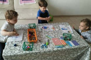 Una santafesina en Israel convirtió su hogar en un jardín de infantes