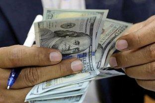 A partir de este lunes, habrá que presentar una declaración jurada para comprar dólares