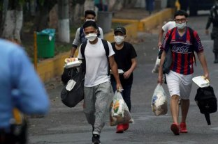 Tras el récord de contagios, México pone en duda la reapertura económica y social