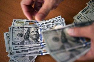 El dólar blue bajó $ 4 y cerró a $ 124 -  -