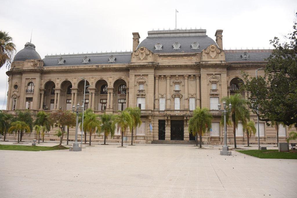 Municipios advirtieron a la provincia  que sin asistencia peligra la paz social -  -