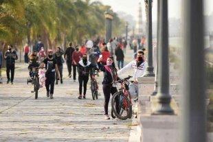 En Venado Tuerto y Las Rosas fueron  confirmados dos nuevos casos de Covid-19 - Este domingo, la costanera oeste de la ciudad fue el centro de los paseos de recreación de los santafesinos.