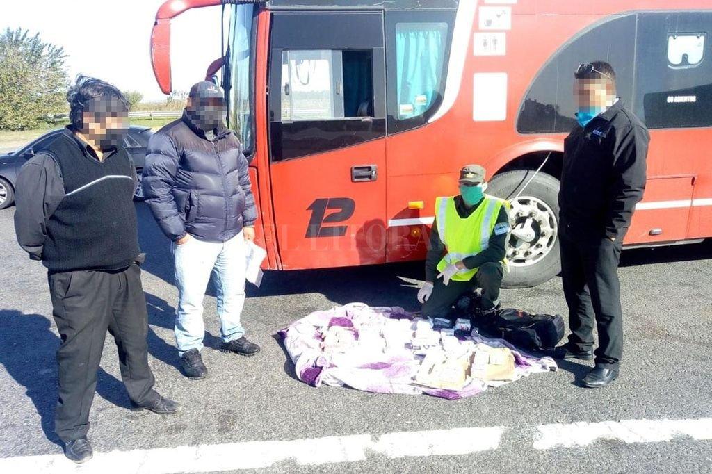 El operativo se realizó este fin de semana en la autopista Rosario-Santa Fe y estuvo a cargo de Gendarmería. Crédito: Prensa GNA