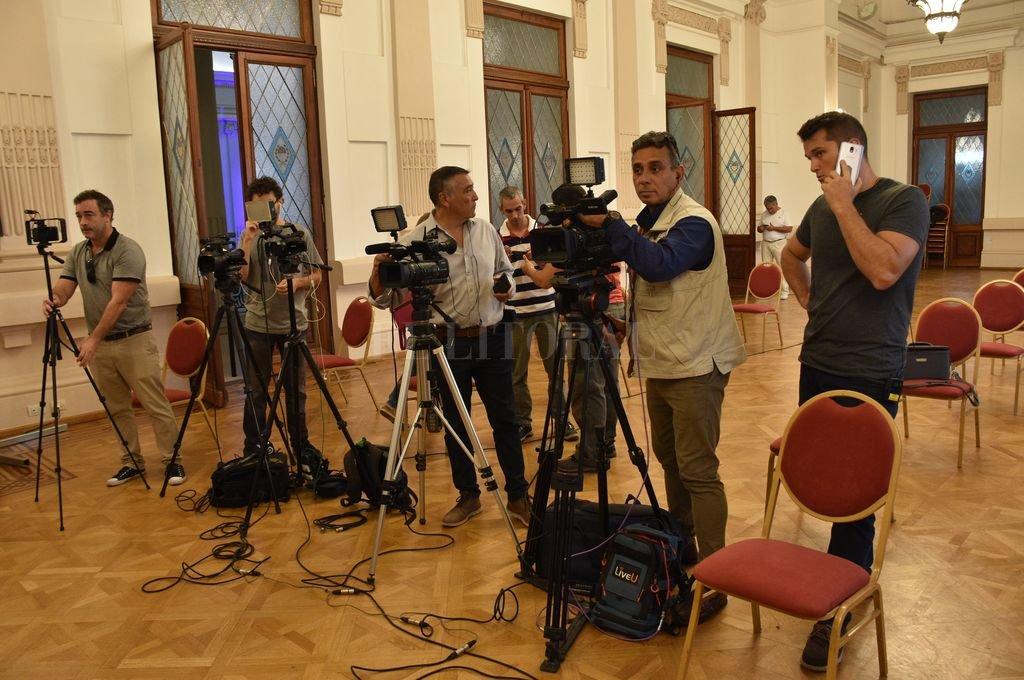 Conferencia de prensa en Casa de Gobierno durante el distanciamiento social obligatorio. Crédito: Flavio Raina