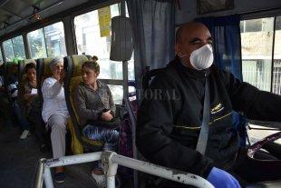 La empresa de colectivos Autobuses pide reducir un 20% su planta de trabajadores  - Fuente laboral en riesgo. En total, trabajan en Autobuses más de 450 personas. Durante los primeros 50 días de la pandemia, transportaron un 90% menos de pasajeros.  -