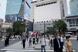 Tokio comienza con la reapertura de comercios y oficinas tras levantarse la alerta sanitaria