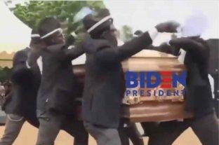 Trump se burló de las declaraciones de Biden usando el video de los ghaneses bailando con un ataúd