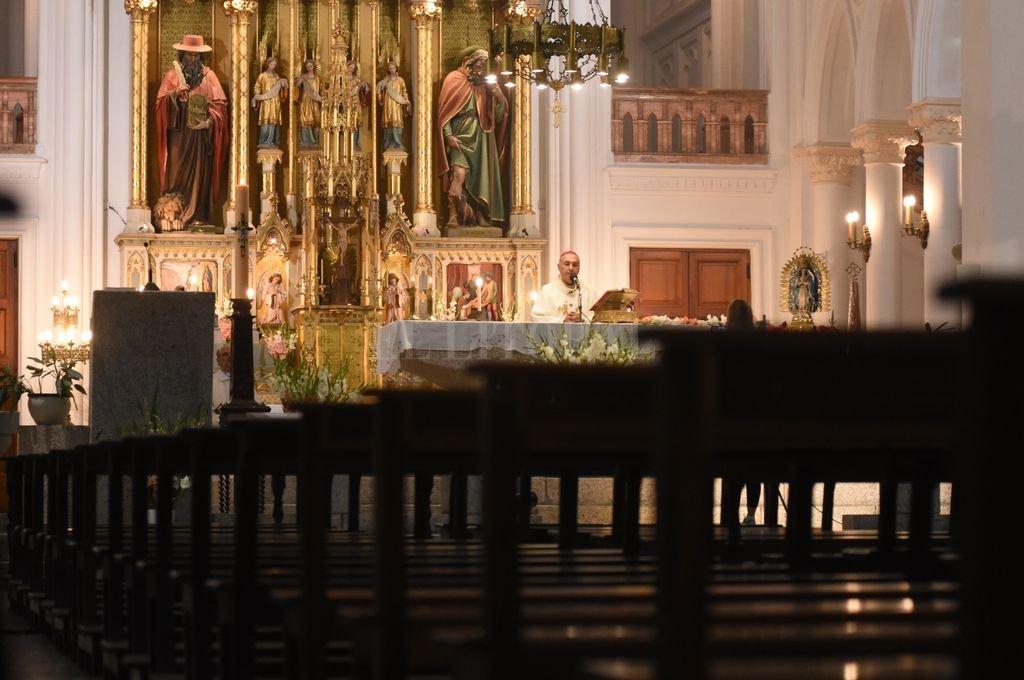 Misa sin fieles en la Basílica de Guadalupe. Crédito: Mauricio Garín