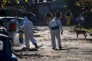 Fuerte operativo sanitario releva casos de coronavirus en Villa Azul: hay 145 positivos
