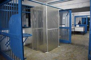 Presos: de las comisarías a  los pabellones de aislamiento -  -