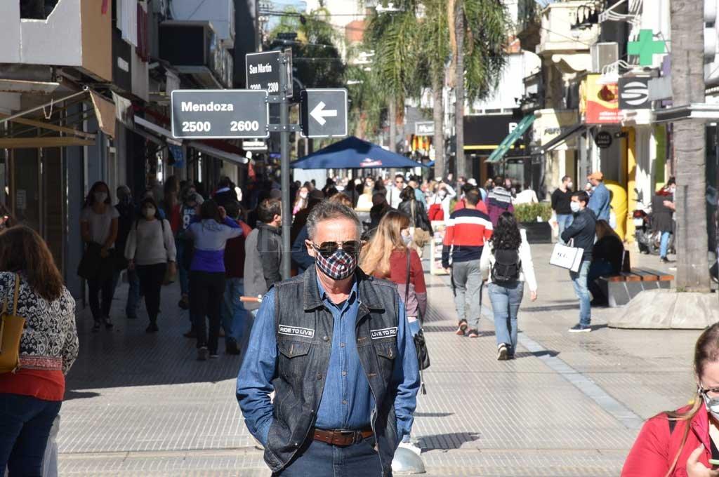 Mendoza y Entre Ríos habilitan gastronomía, shoppings y actividades recreativas, ¿y Santa Fe? - Negocios de la ciudad pueden abrir en contraturno al horario bancario, es decir a partir de las 13. La medida no termina de convencer al sector -