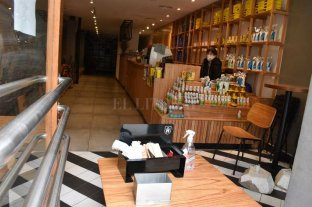 "Turismo, restaurantes, bares: evalúan acordar protocolos ""post pandemia"""