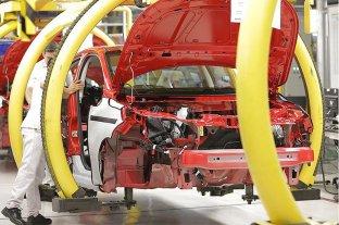 Más fábricas vuelven a producir
