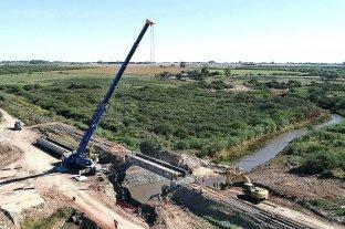 Realizaron el montaje de un puente ferroviario sobre el río Colastiné