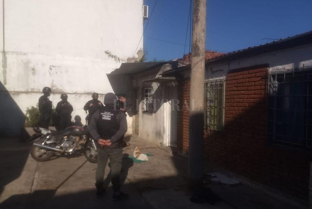 El operativo fue realizado por la Brigada Antinarcóticos N°1 (que depende de la AIC) y contó con el apoyo de personal de Infantería de la URI Crédito: El Litoral