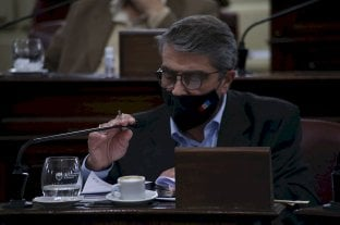 Senadores del PJ preguntan por los presos y las internas - Armando Traferri (PJ-San Lorenzo) puso entre prudentes signos de interrogación lo que se repite en los pasillos de la Casa Gris: ¿hay coordinación entre los ministros de Seguridad y de Gobierno? -