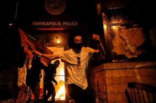 Otra noche de protestas en Mineápolis tras la muerte de George Floyd