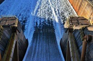 Itaipú aprobó liberar más agua en junio, pero menos de lo previsto por Argentina - Las erogaciones de la represa Itaipú serán equivalentes a los caudales que reciba. Si no llueve en la cuenca alta del Paraná, la situación se complicará. -