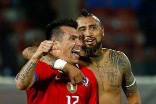 Vidal le dijo a Medel que le gustaría jugar en Boca
