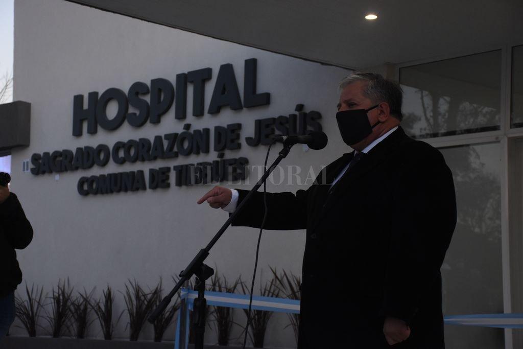 Amaro González, en la inauguración.   Crédito: Gentileza