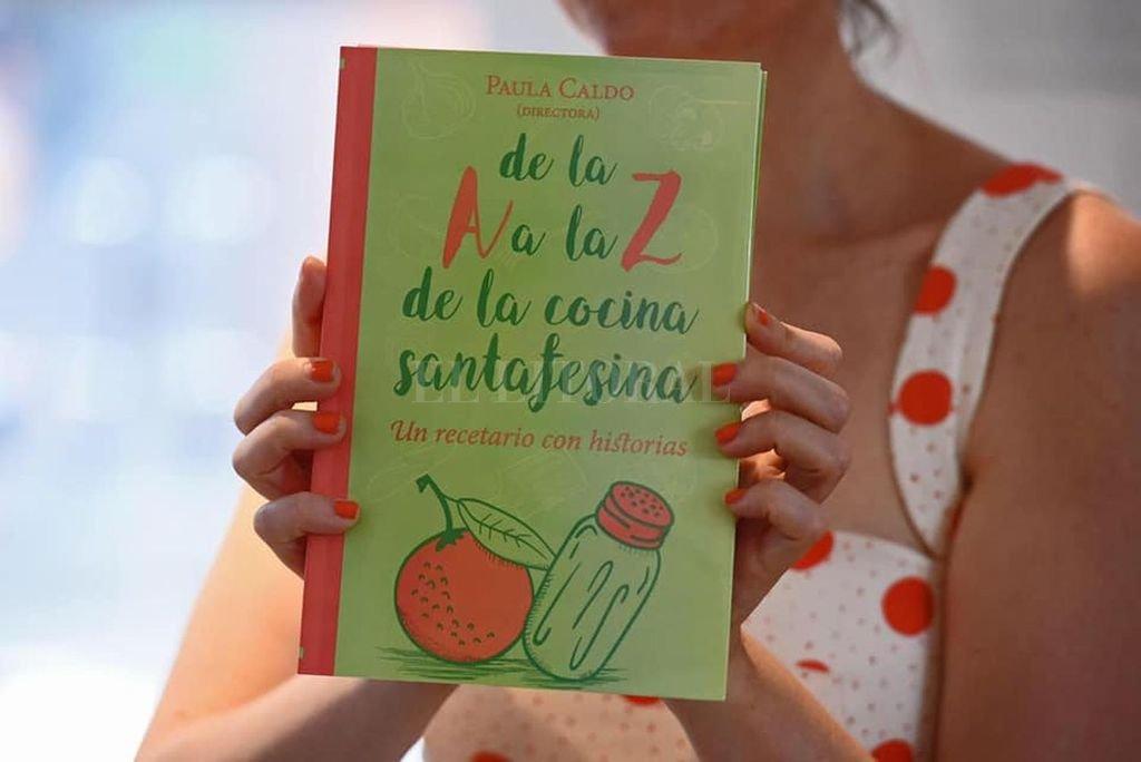 La portada del libro que sintetiza un proyecto y 500 historias.