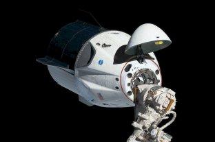 La nave Crew Dragon se acopló con éxito a la Estación Espacial Internacional -  -
