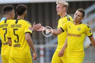 Borussia Dortmund goleó 6-1 al Paderborn y mantiene la ilusión de pelear por el título
