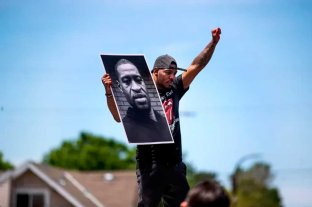 Desplazaron al fiscal que investigaba el asesinato del afroamericano Floyd
