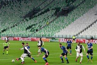 En la Serie A italiana no descartan jugar con público reducido en los estadios