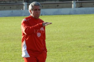 """""""En Unión no tengo reconocimiento"""" - Fernando Alí, el popular Turco, cuando ya era entrenador y dirigía a Unión. Ese equipo del 2009-2010 hizo una muy buena primera rueda pero se """"pinchó"""" en la segunda. -"""