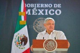 """López Obrador cree que la economía mexicana """"tocará fondo"""" el segundo trimestre"""