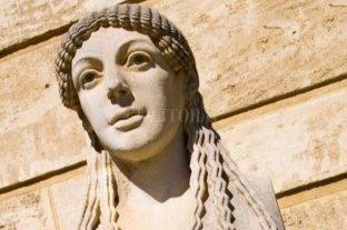 Diotima, la mujer que demoró la plaga