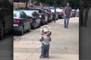"""""""Revival"""" viral contra el racismo: vuelve a circular el video de los nenes que se abrazan -  -"""
