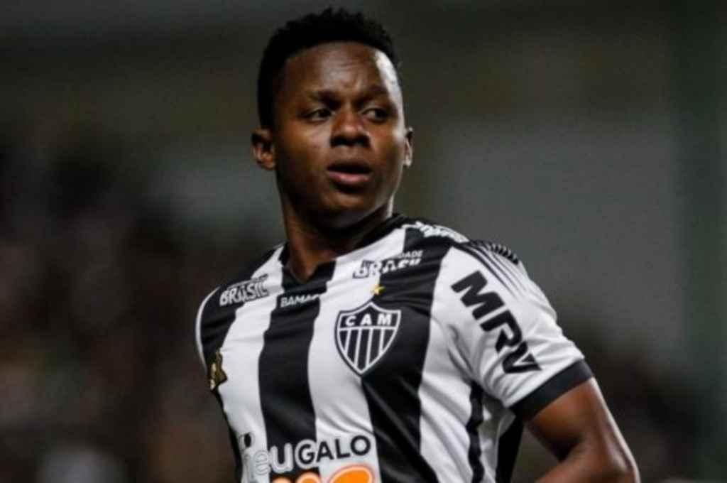 Cazares, positivo de Covid-19, hizo una fiesta en Brasil en medio de la cuarentena y fue multado -