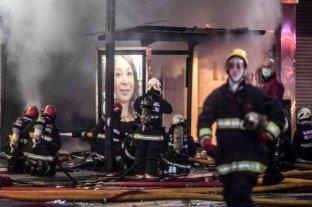 Tragedia en Villa Crespo: dos de los nueve bomberos heridos siguen internados en grave estado